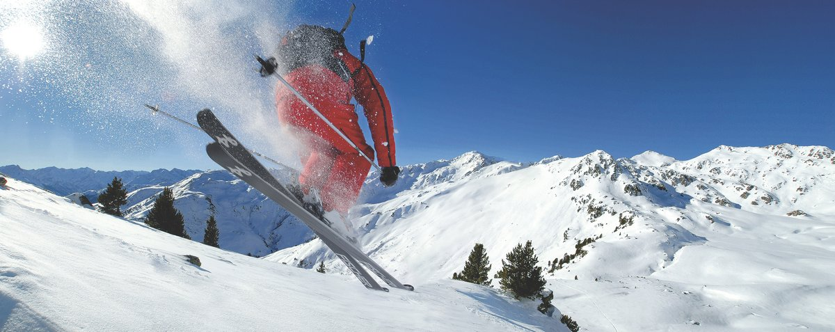 Skiing in Tyrol Zillertal Valley